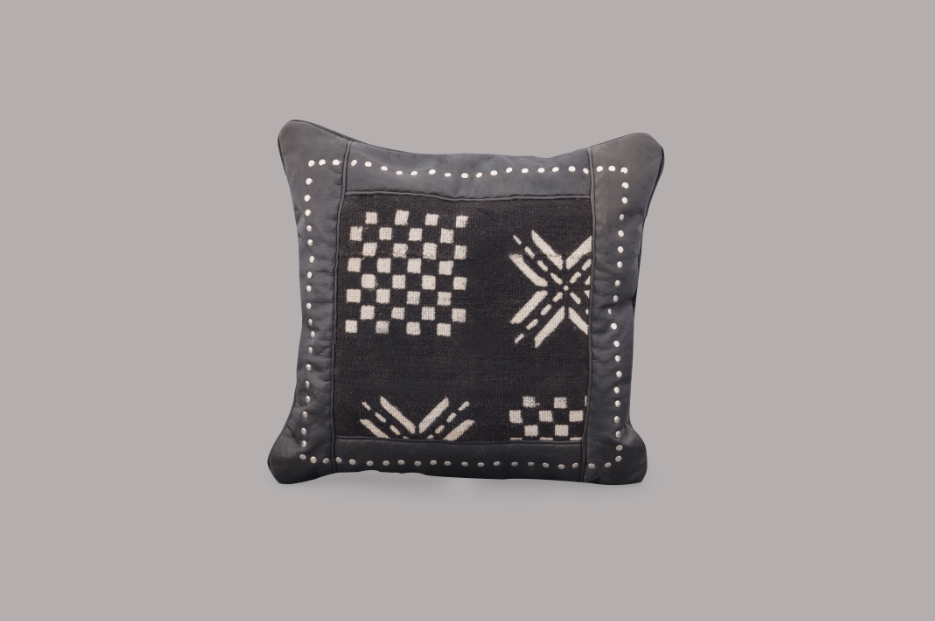 LEATHER SQUARE CUSHION (DOMINO)