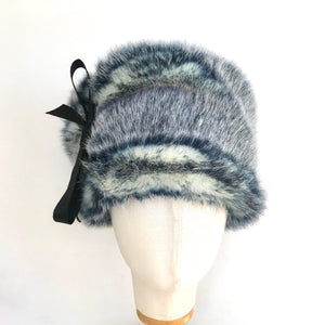 Toque hair hat with ties - AnneDePasquale