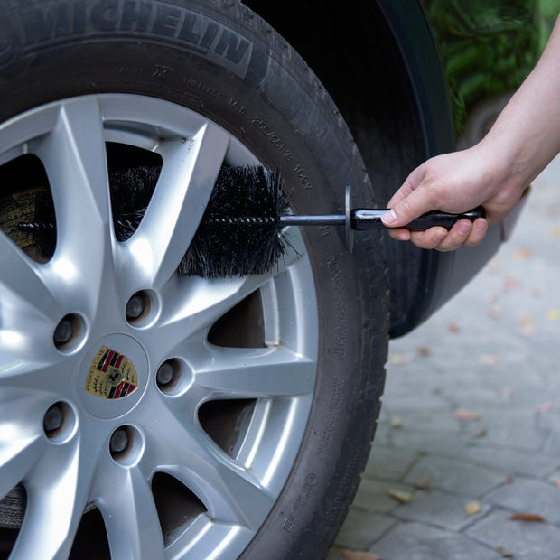 "18"" Flexible Wheel Spoke Brush w. Flexi Handle - CarCarez Professional Auto Detailing and Cleaning Products"