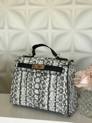 Urban Expressions Black & White Handbag