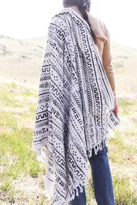 casa boho decorative mudcloth tribal throw blanket hand blocking painted tribal designs tassels fringe bohemian aztec geometric home decor accents furnishings soft white black monochrome neutral living room shawl bedroom nordic nursery theme trendy beach pool wrap camping modern