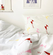 FESTIVAL OF THE WINDS Pink | Kite Design Pillowcase | Kids Bedding