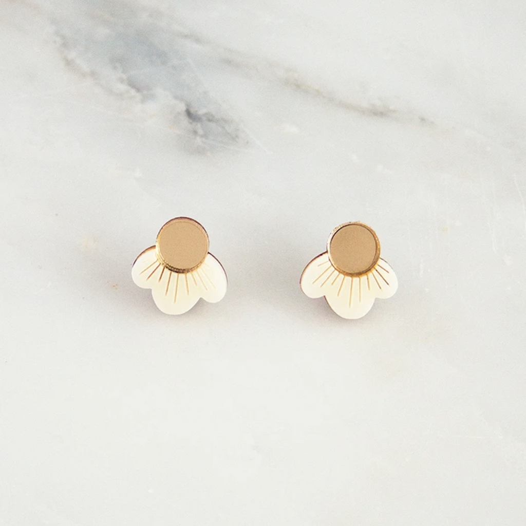 Wolf & Moon : Wildflower Studs in Cream