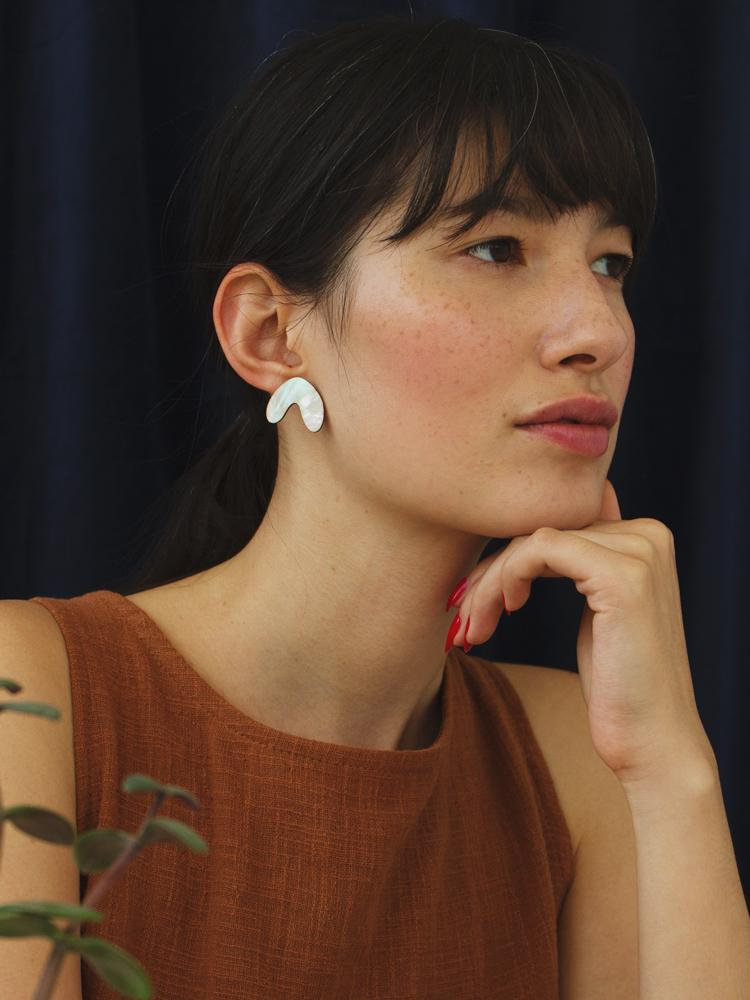 Wolf & Moon : Cassia Studs in Mother of Pearl