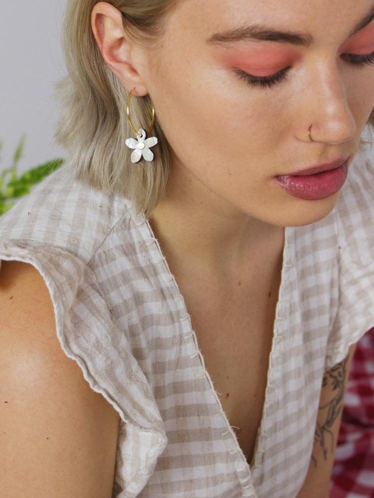 Wolf & Moon : Orange Blossom Hoops