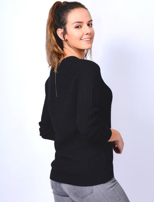 Ar Hockney Crew Neck Jumper with Curved Hem in Black - Amara Reya