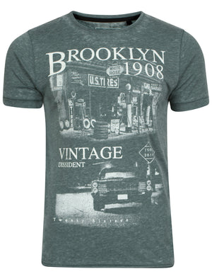 Grunge Brooklyn  T-Shirt in Green - Dissident