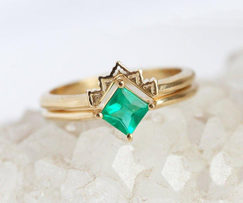 Emerald Solitaire With a Matching Lace Ring