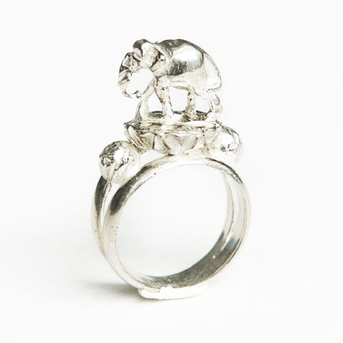Lilly Elephant Ring Silver