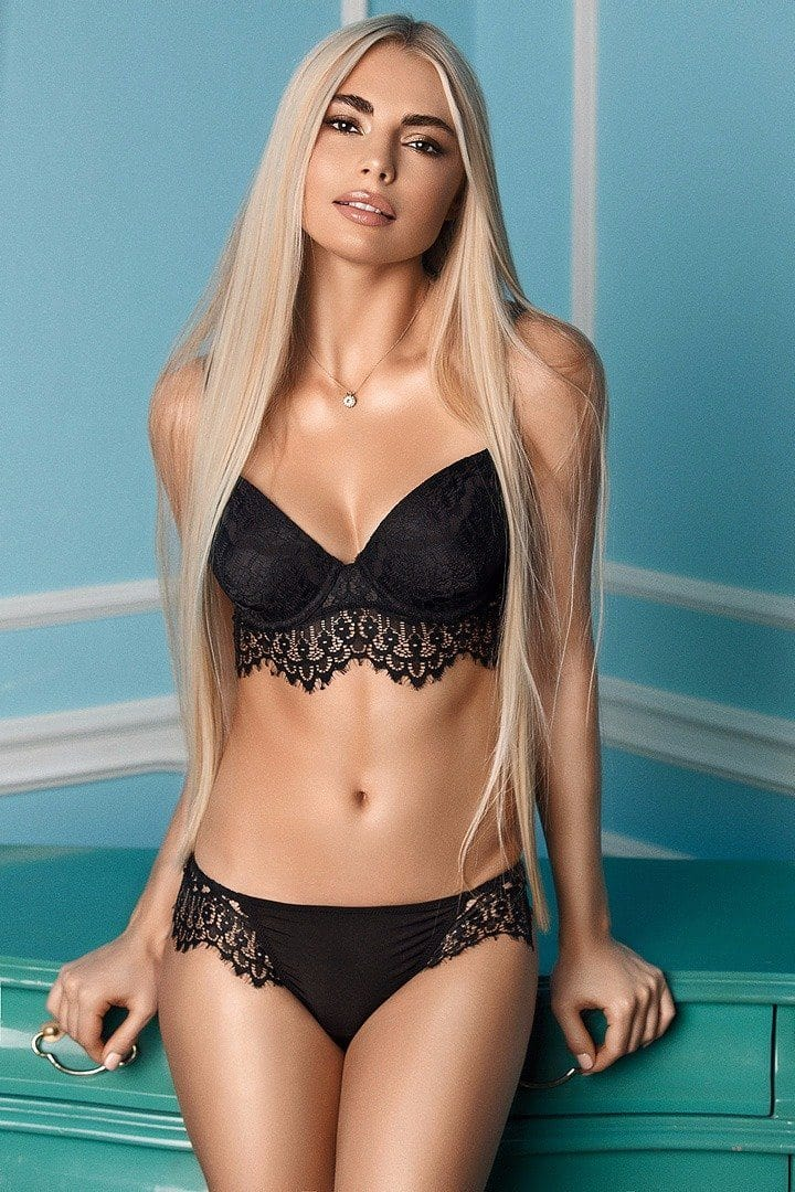 Sia Hard wired Lingerie Set