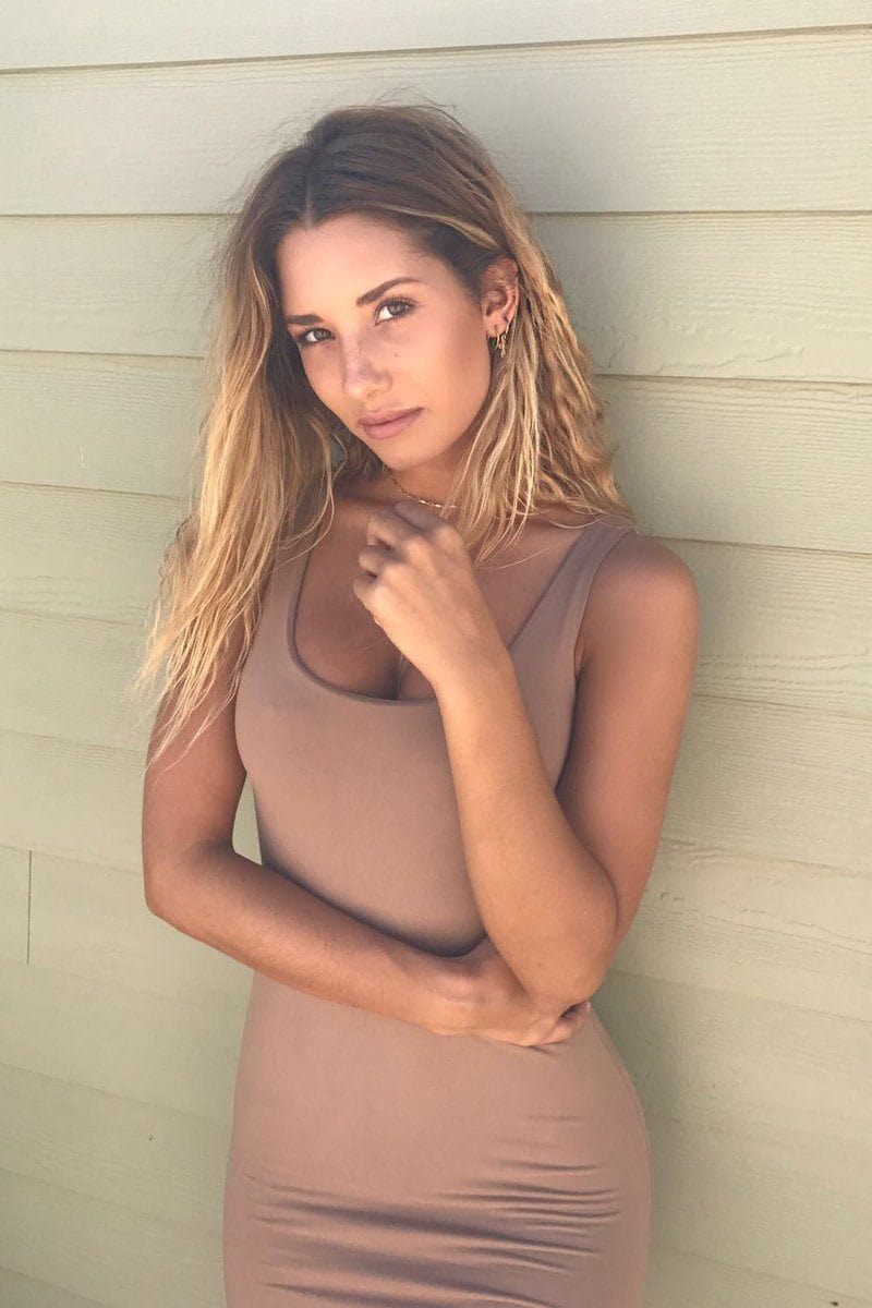 Sara dress in Tan