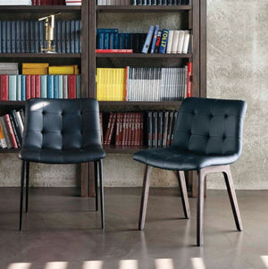 HARBOR CHAIR - BLACK ECOLEATHER AND SPESSART OAK LEGS