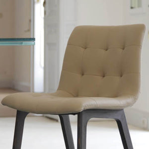 HARBOR CHAIR - SAND ECOLEATHER AND SPESSART OAK LEGS