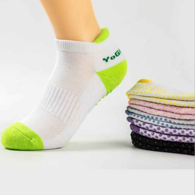 Women Fitness Professional Non-Slip Sports Socks Yoga Socks Silicone Massage Socks Cotton Pilates Socks with Grip Exercise Gym