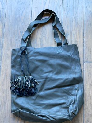 Bali Simple Tote with Tassels