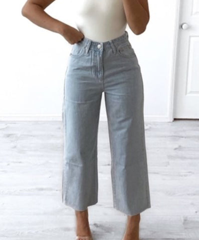 Wide Leg 3/4 Jeans - Light Denim
