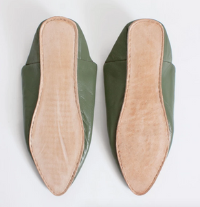 Moroccan Pointed Slipper in Olive
