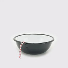 Vintage inspired camp bowl in black