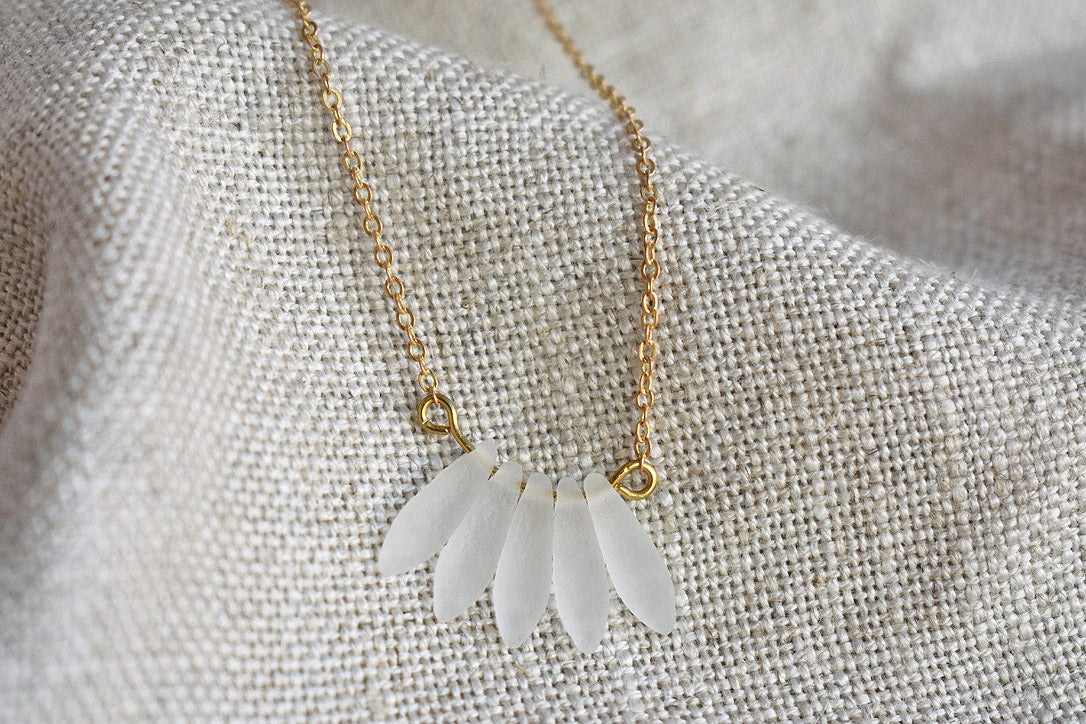 Etched crystal necklace in white
