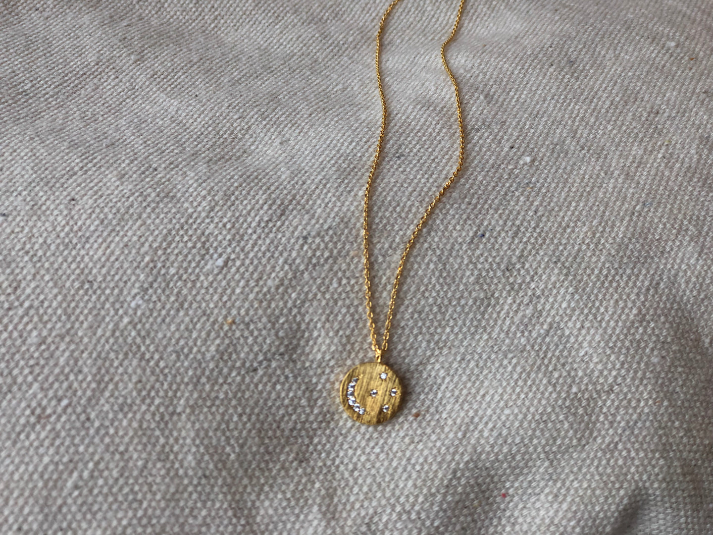 Circle moon pendant necklace