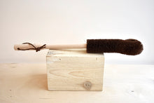 TAWASHI Brush with Beech Handle for Glass