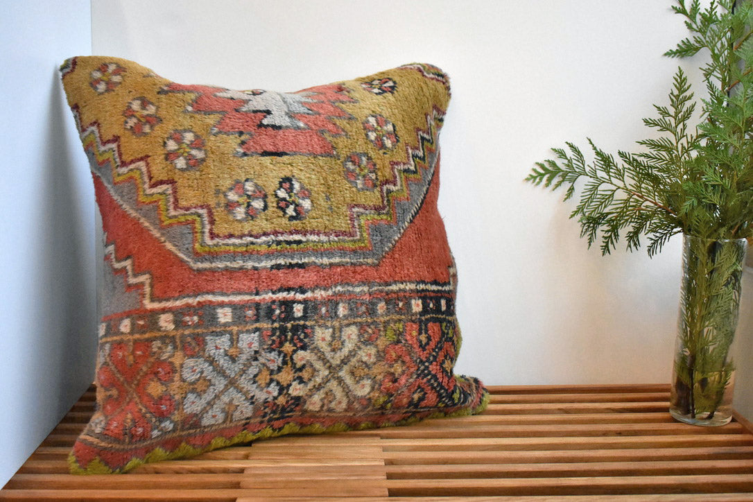 Retro Drawing Kilim Pillow