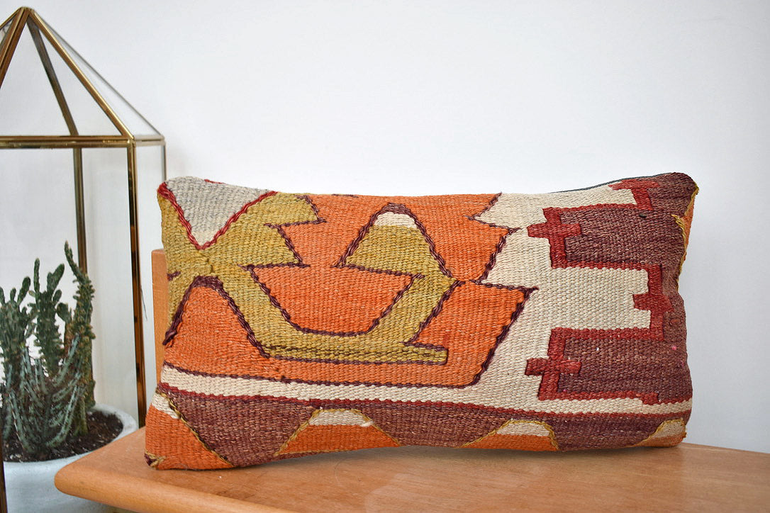 Little shapes lumbar kilim pillow