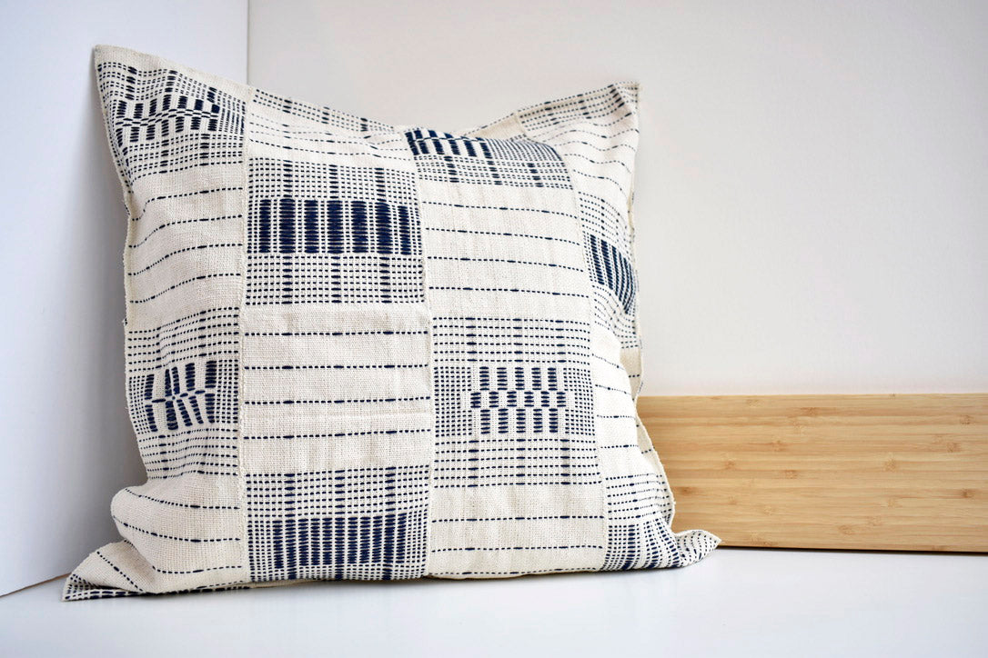 Artisanal Pillow in Blanc