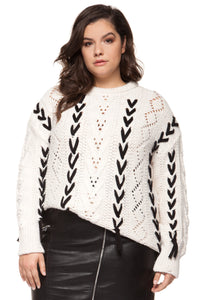 Pull blanc avec lacets
