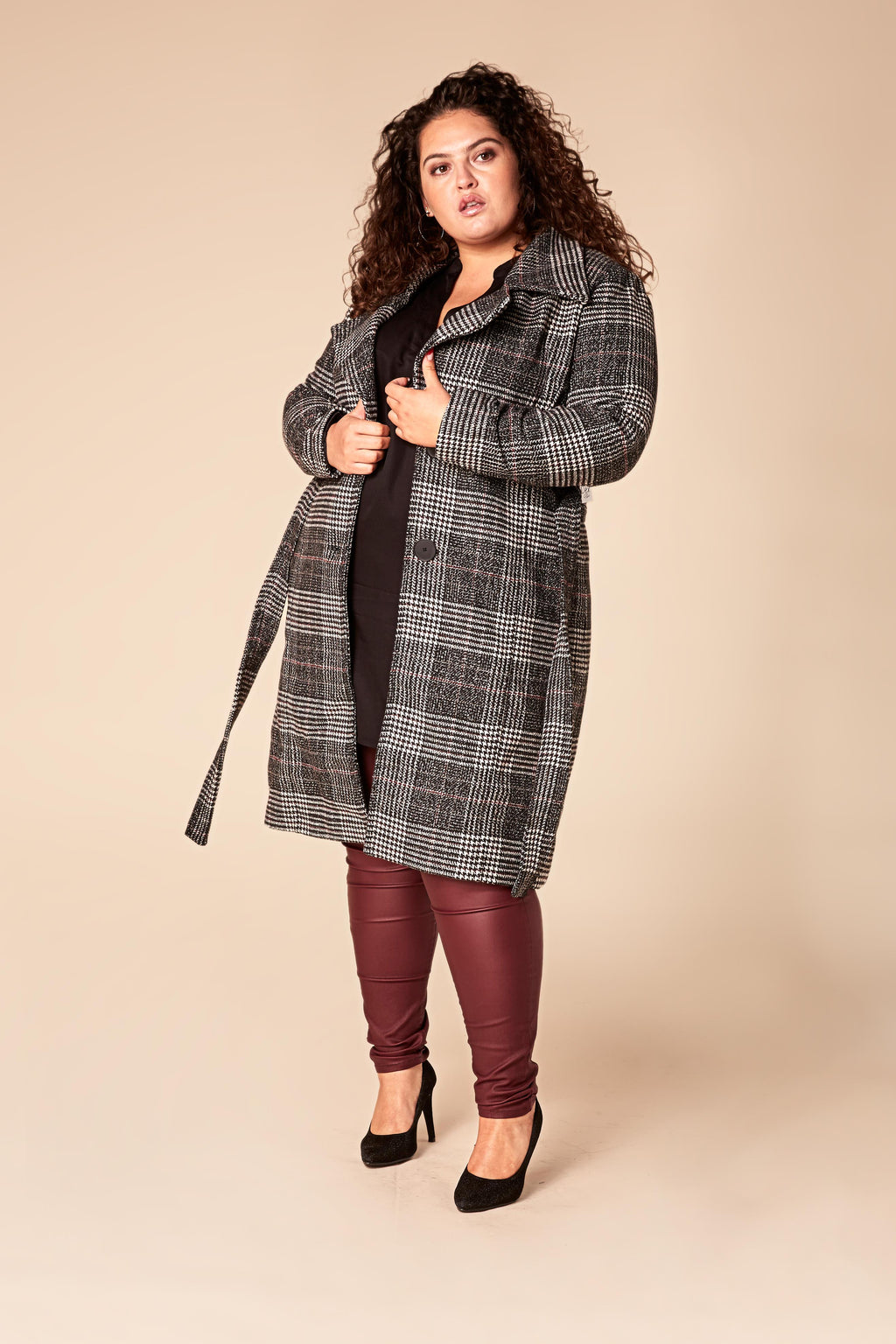 Manteau long à carreaux