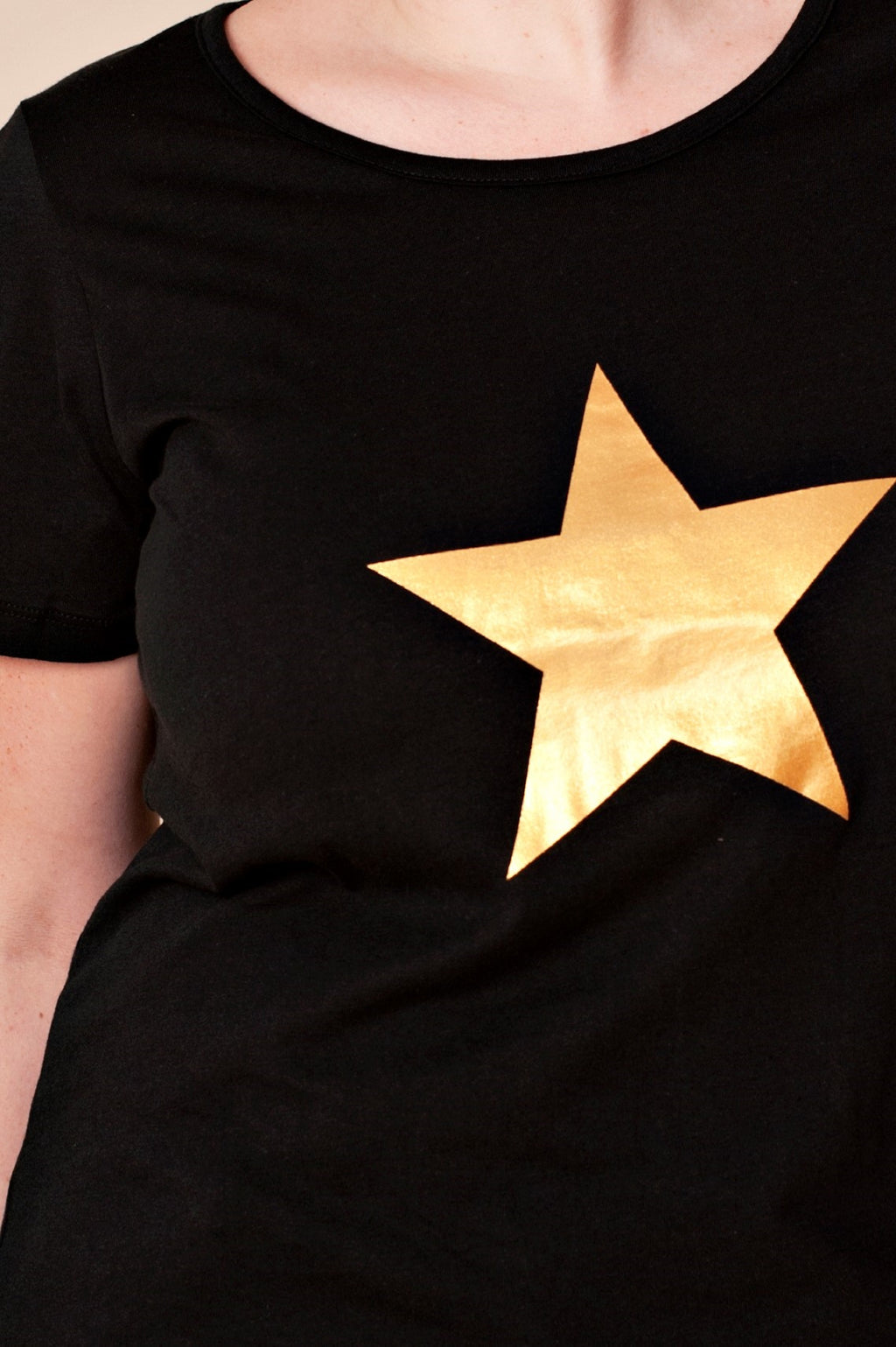 T-shirt noir gold star