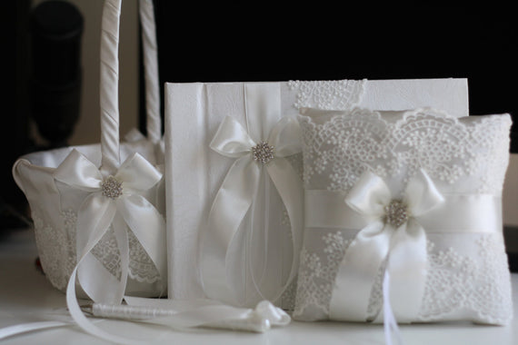 Off White Bearer Pillow / Off white Flower Girl Basket / Lace Ring Holder / White Ring Bearer Pillow /  White Wedding Basket Pillow Set