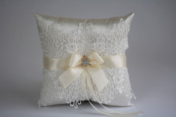 Ivory Ring Bearer Pillow \ Lace Wedding Pillow \ Ivory Wedding Pillow with Lace \ Lace Flower Girl Basket  \ Lace Ring Pillow Basket Set