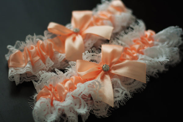 Peach Bridal Garter Set \ Ivory Lace Wedding Garter Set \ Ivory Toss and Keepsake Garter \ Lace Bridal Garters \ Peach Prom Garter