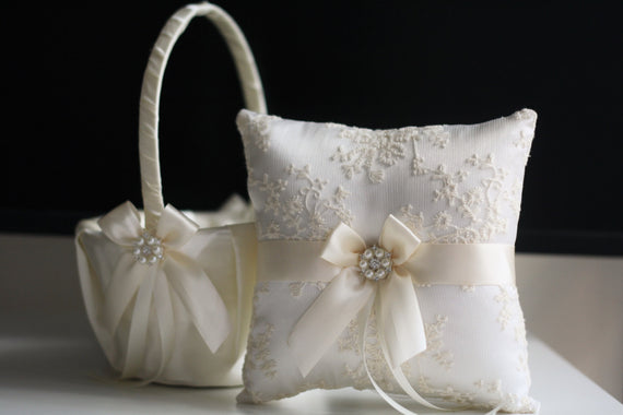 Ivory Ring Bearer Pillow, Ivory Wedding Basket Ivory Wedding Pillow Ivory Flower Girl Basket Pillow Set Lace Bearer Pillow Ivory Ring holder