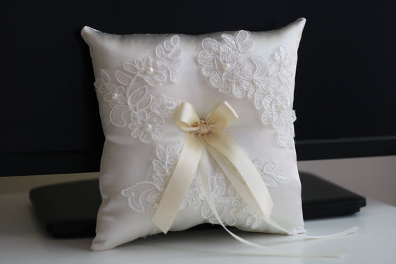 Ivory Ring Bearer Pillow \ Lace Wedding Pillow + Ivory Flower Girl Basket \ Lace Wedding Basket Pillow Set\ Lace Wedding Pillow for rings