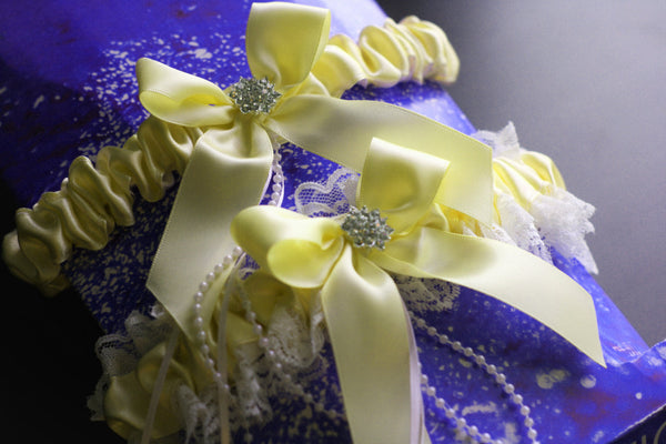 Lemon Yellow Bridal Garter Set, Ivory Lace Wedding Garter Set, Yellow Toss Garter & Keepsake Garter, Lace Bridal Garters, Yellow Prom Garter