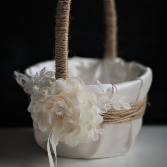 Rustic Flower Girl Basket \ Rustic Wedding basket \ Rustic Petals basket \ Rustic Ring Bearer Pillow  \ Wedding Basket, Burlap Basket