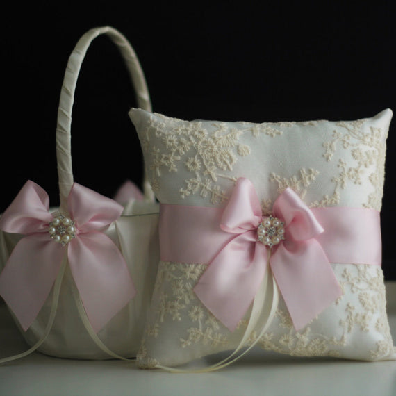 Blush Wedding Basket / Blush Pink Bearer Pillow / Pink Flower Girl Basket / Blush pink Pillow / Pink Pillow basket set / Lace Pink Bearer