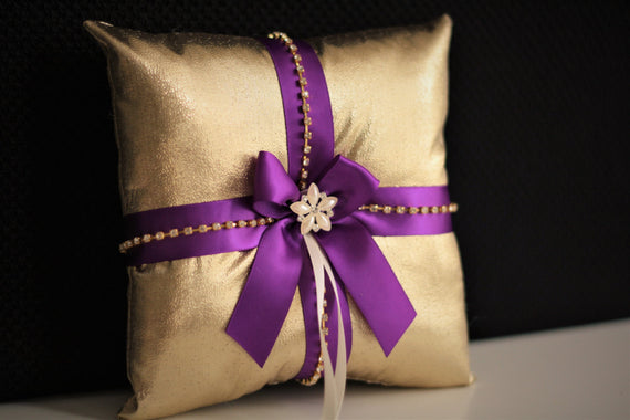 Purple Gold Bearer \ Purple Gold Wedding Pillow \ Gold Ring Bearer Pillow \ Gold Purple Ring Holder \ Wedding Ring Pillow \ Gold Bearer