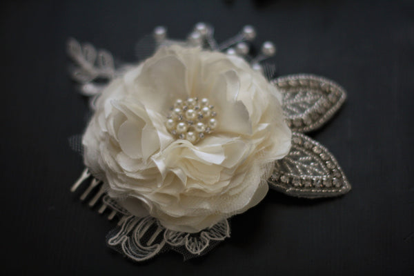 Ivory Bridal Comb \ Pearl Hairpiece \ Ivory hair comb \ jewel headpieces \ Bridal Hair Accessories \ Bridal Headpieces \ ivory satin flower