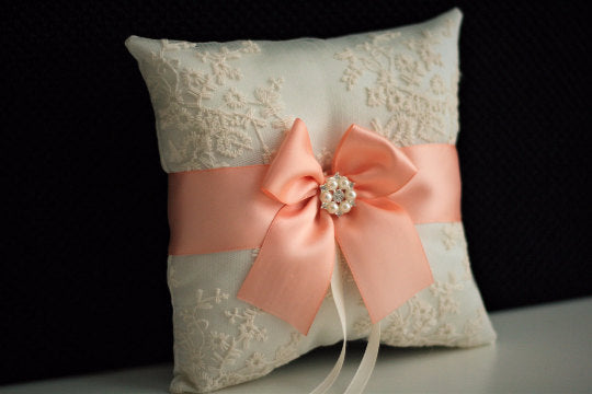 Peach Wedding Bearer \ Peach Ring bearer Pillow \ Peach Wedding Pillow \ Peach ring holder \ Ivory Peach Bearer \ Lace peach Bearer