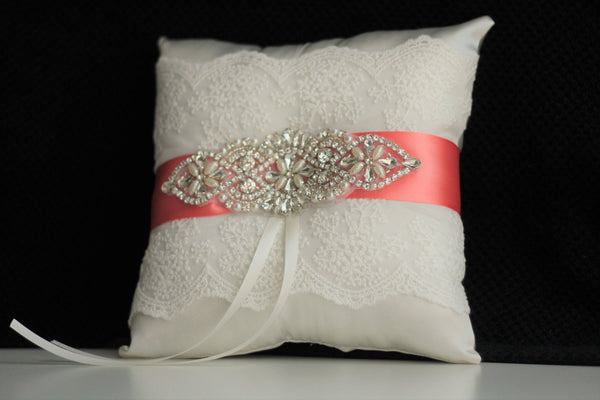 Coral Ring Bearer Pillow / Jewel wedding pillow / Ivory Coral Bearer / Ivory Coral Wedding Pillow / Lace Coral Bearer / Lace Ring Holder