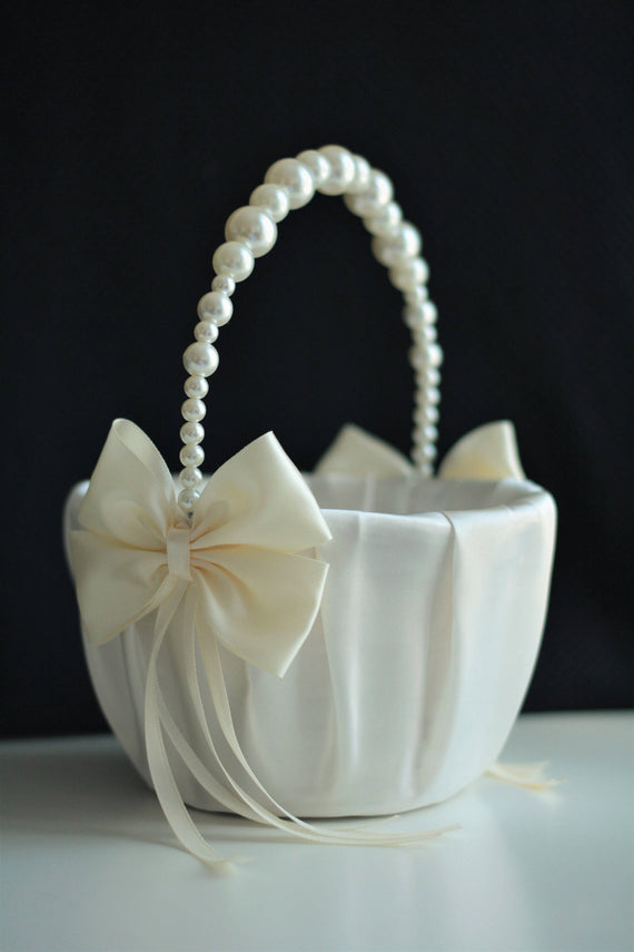 Ivory Pearl Basket / Ivory Flower Girl Basket / Pearl handle basket Basket with pearls Ivory wedding basket Pearl Wedding basket pillow Set