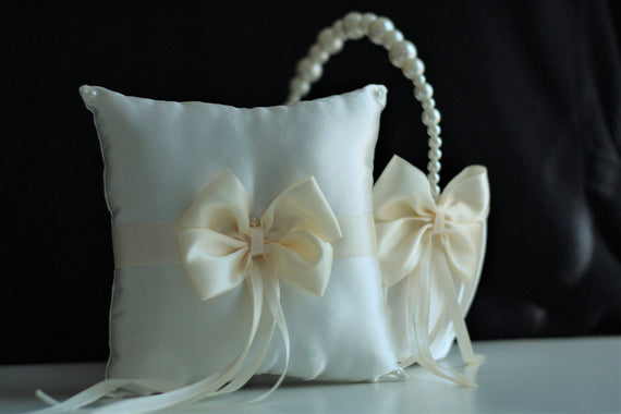 Ivory Wedding Baskets / Pearl Ring Bearer Pillow / Pearl Wedding Basket / Ivory Flower Girl Basket Pillow Set / Pearl Handle Basket