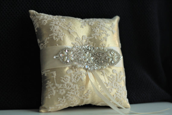Gold Ring Pillow / Gold Bearer Pillow / Gold Wedding Pillow / Lace Gold Bearer Basket Set / Gold Flower Girl Basket Pillow Set Jewel Bearer