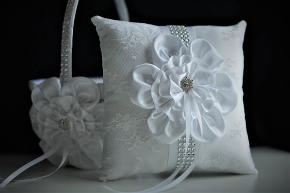 Ring Bearer Pillow, White Flower Girl Basket, White Ring Pillow, White Bearer Pillow, Flower Ring Holder, White Wedding basket for wedding