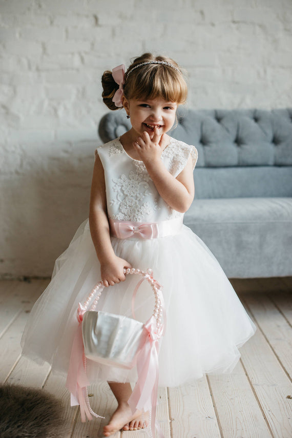 Flower Girl Basket / Blush Pink Bows with Pearl Handle
