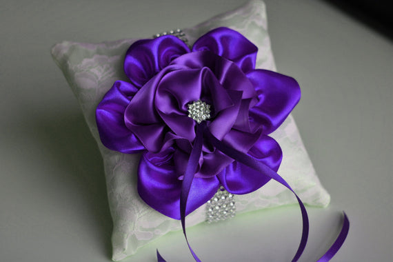Purple Ring Bearer Pillow \ Lace Wedding Pillow \ Purple Wedding Bearer \ Orchid Ring Holder \ Wedding Ring Bearer \ Ivory Purple Bearer