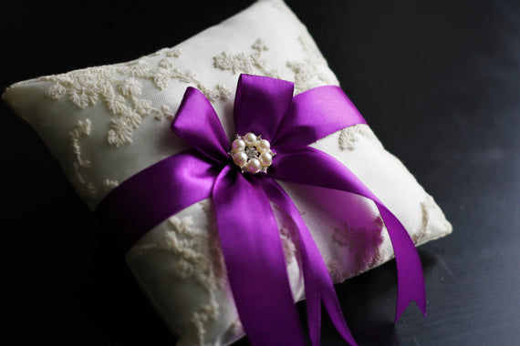 Lilac Ring Bearer Pillow \ Purple Ring Holder, Ivory Lace Bearer, Magenta Ring Pillow, Lilac Wedding basket \ Lilac Pillow basket set